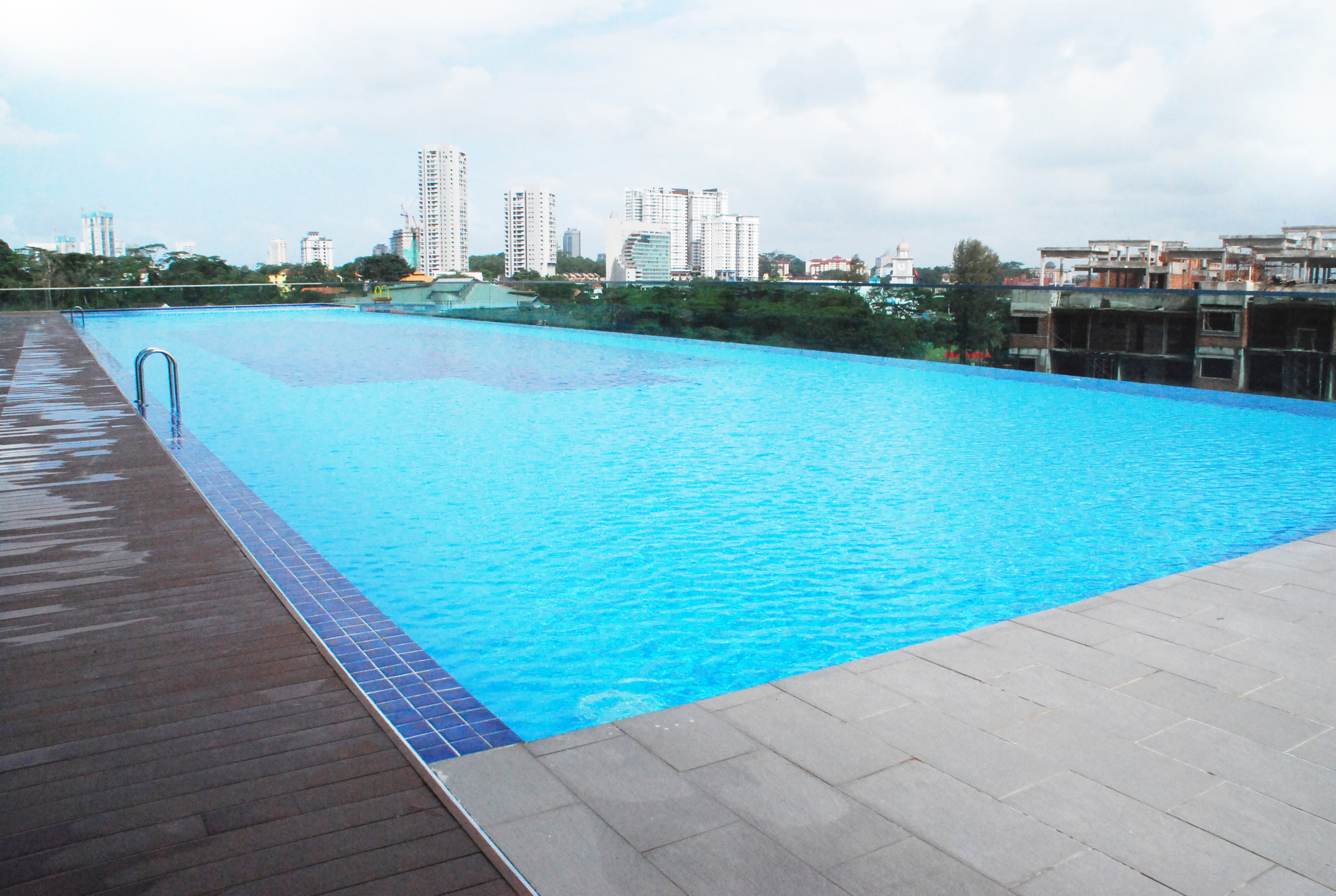 swimming-pool-view